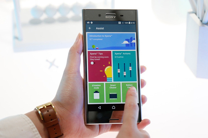 sony-gioi-thieu-ung-dung-xperia-assist-cho-google-play-store