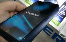 sharenhanh-smartphone-pin-khung-cua-energizer-power-max