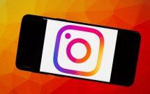 sharenhanh-instagram-logo-in-mobile