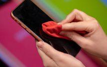 sharenhanh-cach-ve-sinh-smartphone-mua-dich-benh-covid-19