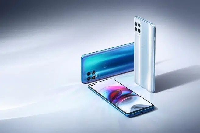Trên tay Motorola Edge S với 5G và Chip Snapdragon 870 giá rẻ