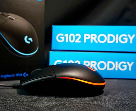 Phù hợp với đa số người dùng ở Việt Nam vì có kích thước bàn tay to ở tầm trung trở xuống. Tuy nhiên, với thiết kế góc cạnh ở 2 bên của chuột khiến cho người dùng cảm thấy khó chịu khi sử dụng. Nhưng chuột Logitech G102 lại có thể điều chính DPI lên đến 6000 tùy vào mục đích sử dụng của bạn.