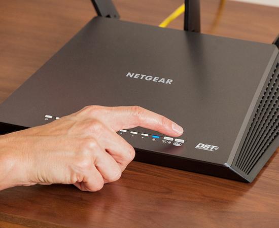 Khởi động lại router wifi nhà bạn
