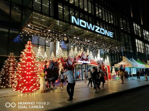 Smartphone của Huawei sở hữu khả năng chụp đêm ổn, màu sắc trung thực và độ chi tiết tốt nhờ cảm biến có khẩu độ lớn.