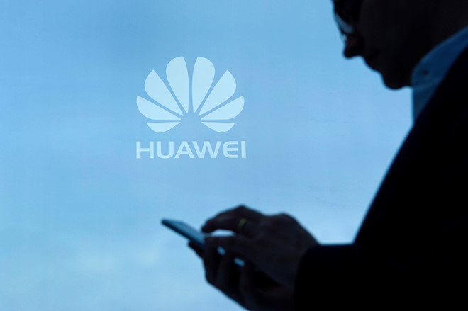 Bloomberg: My diet Huawei, chien tranh lanh cong nghe bung no hinh anh 2